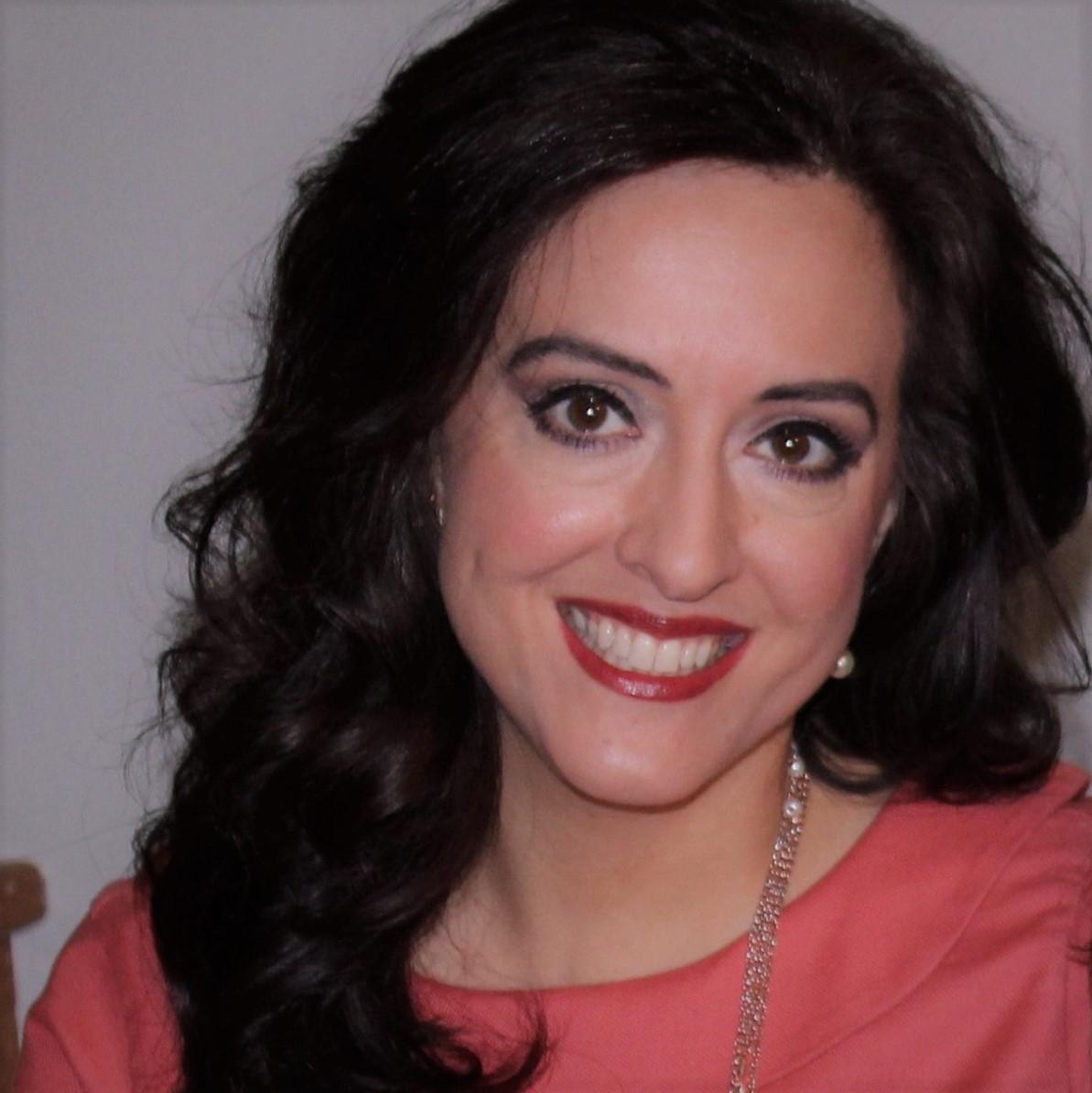 Tina Gross Headshot